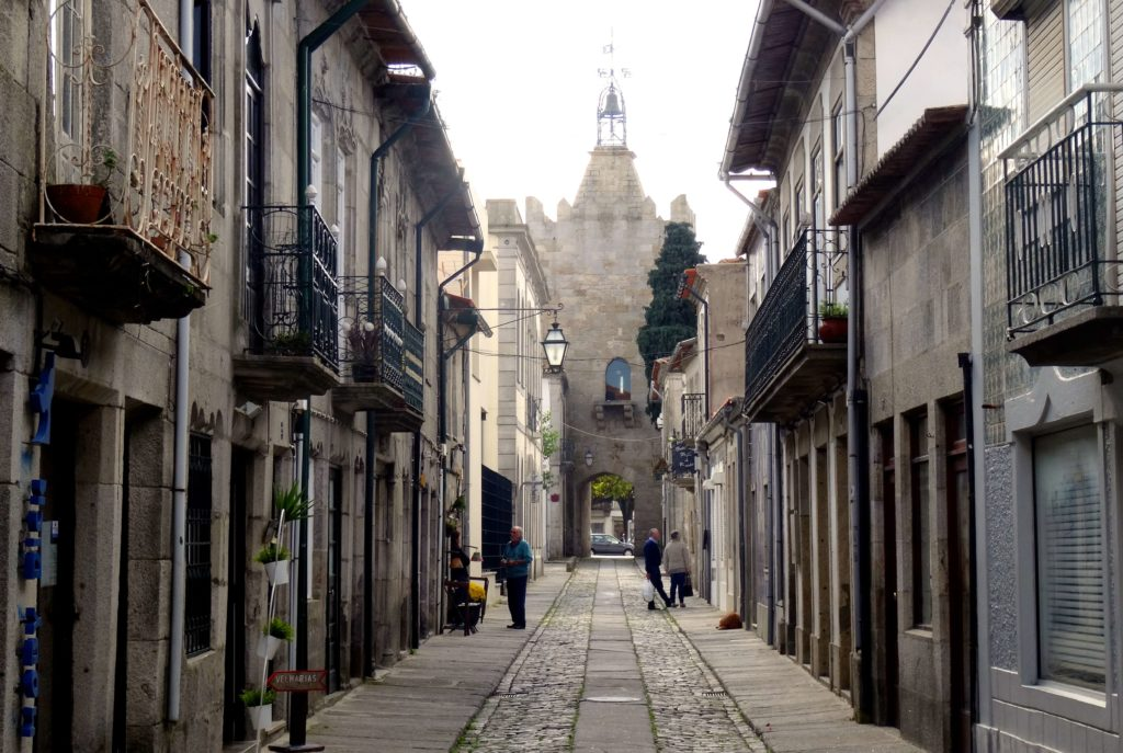 Rua Direita, die älteste Straße