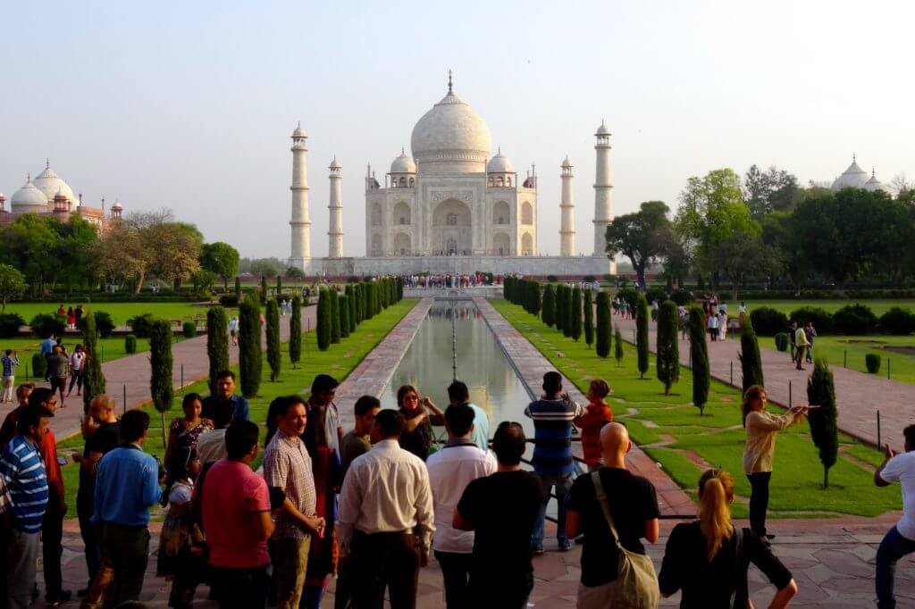 Taj Mahal, Gedränge vor dem bekannten Fotomotiv