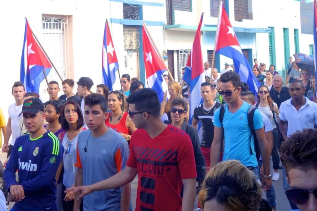 Holguín. Auf dem Weg zur Trauerveranstaltung für Fidel Castro