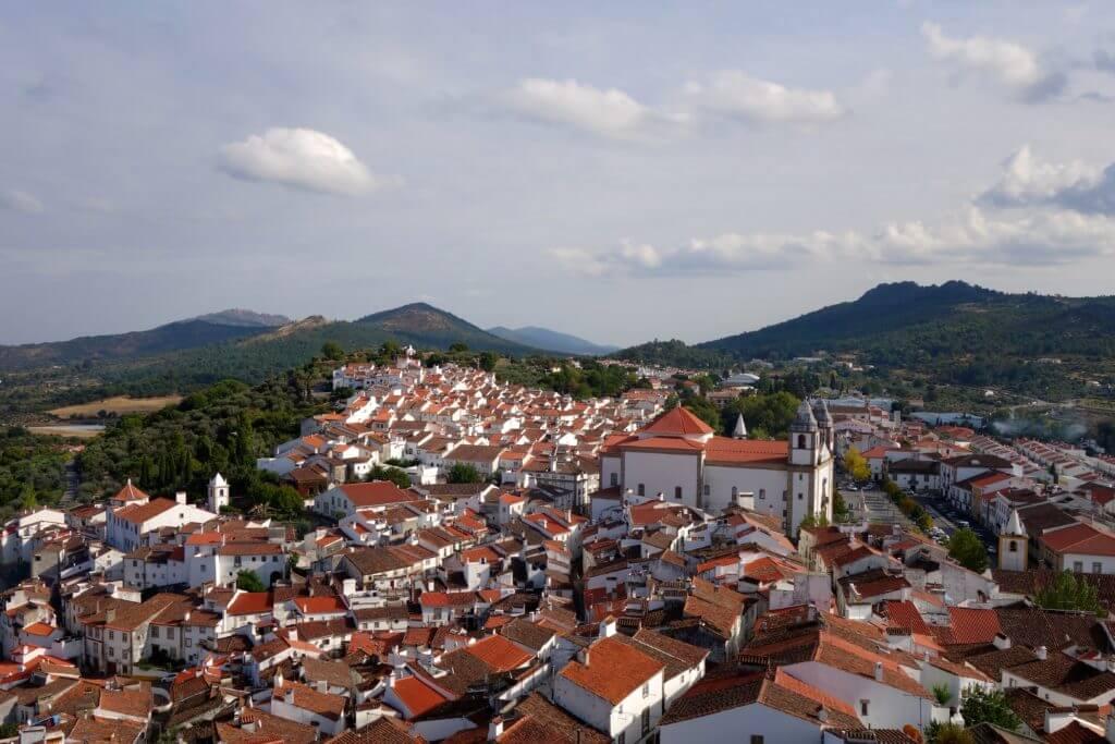 Jahresrückblick Reiseblog Groovy Planet, Blick auf Castelo de Vide