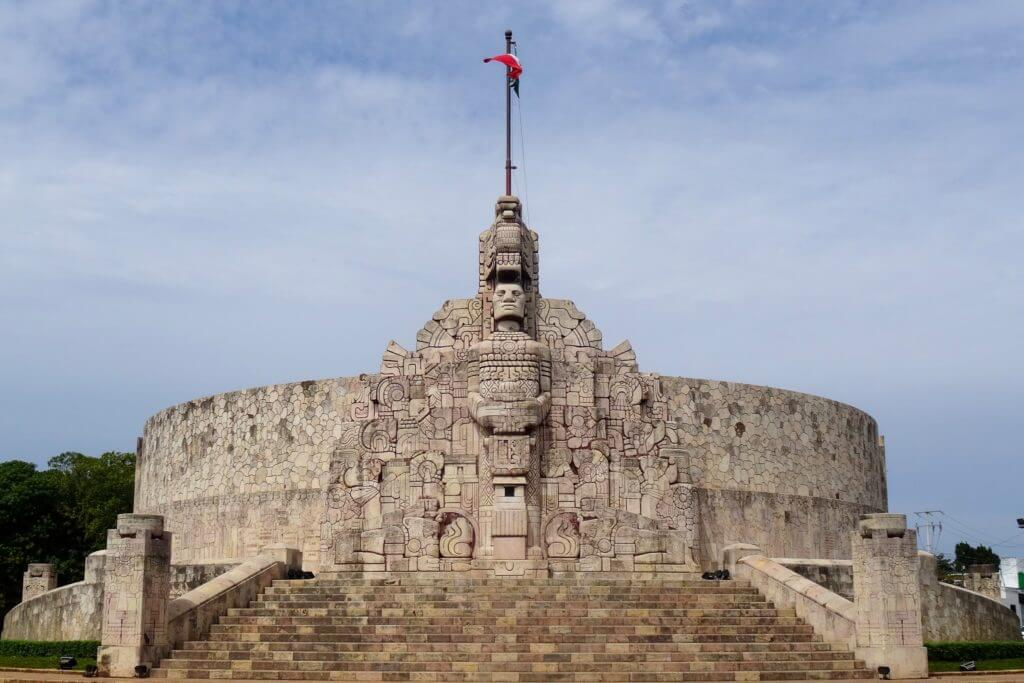 Jahresrückblick Reiseblog Groovy Planet, Monument am Paseo de Montejo in Mérida, Mexiko