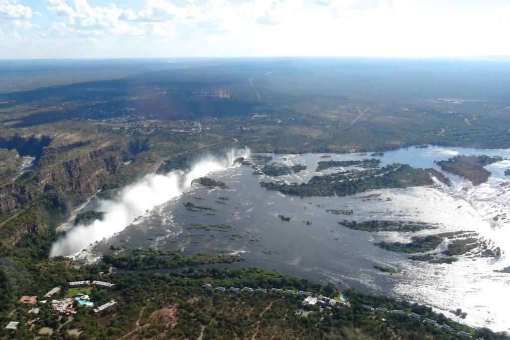 Jahresrückblick Reiseblog Groovy Planet, Helikopteranflug auf die Victoriafälle