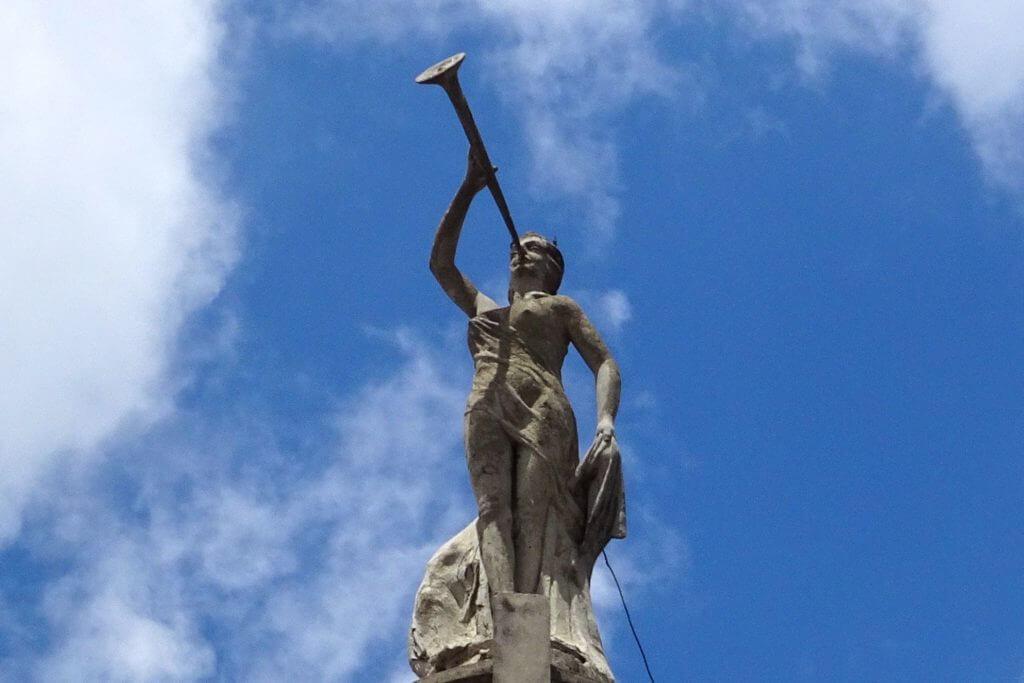 La Fama, das Wahrzeichen von Guantánamo auf dem Palacio Salcines