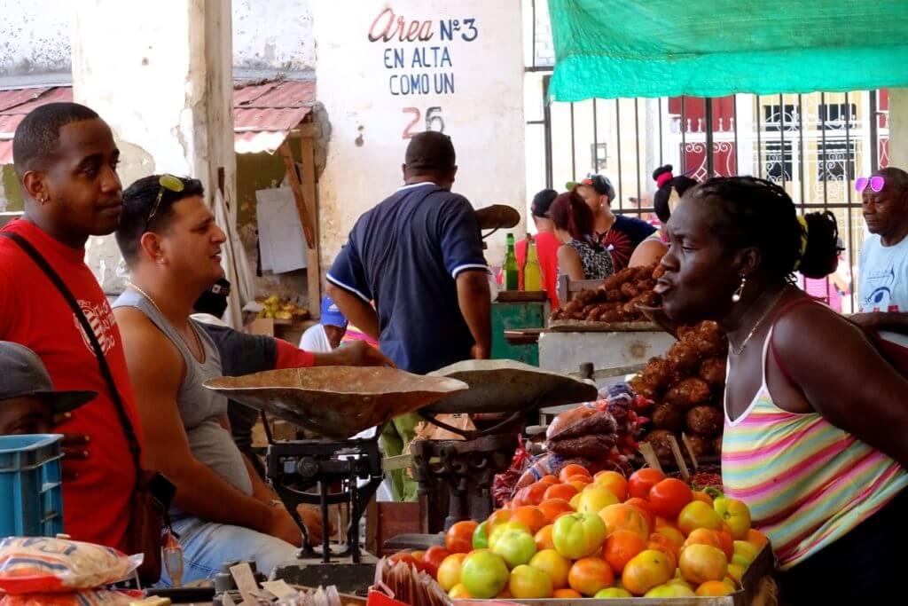 In der Plaza del Mercado, der Markthalle von Guantánamo