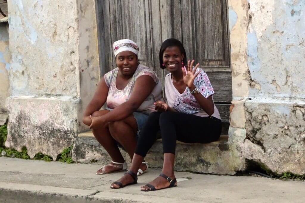 Casa Particular in Matanzas, Kuba. Begebung mit freundlichen Menschen auf der Straße.