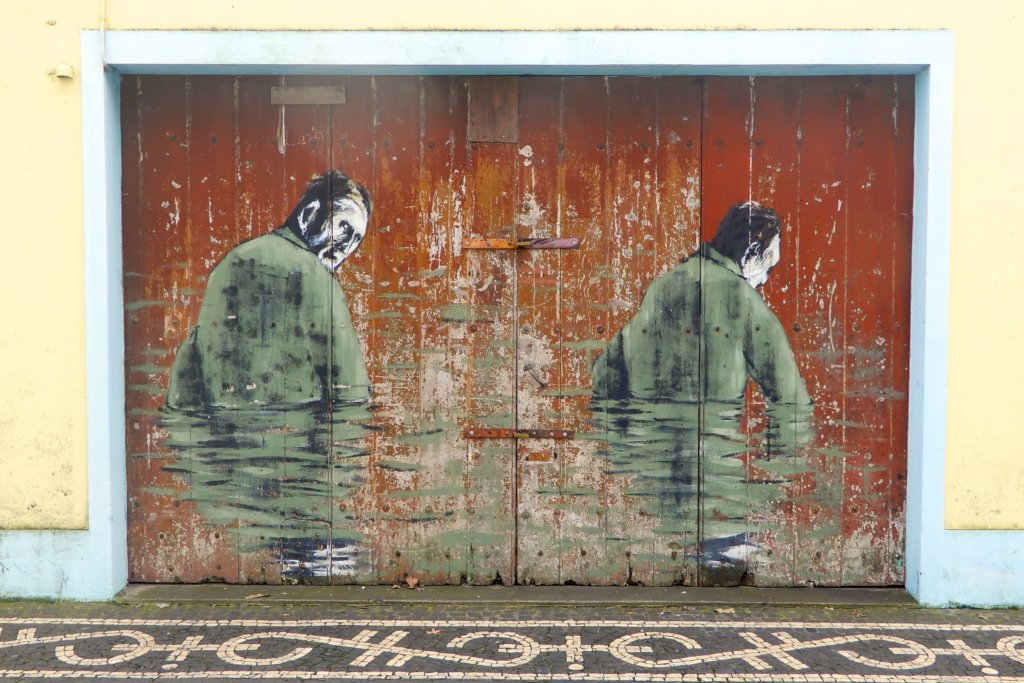 Street Art Azoren. Kunstwerk von Pedro Batista in Ponta Delgada.