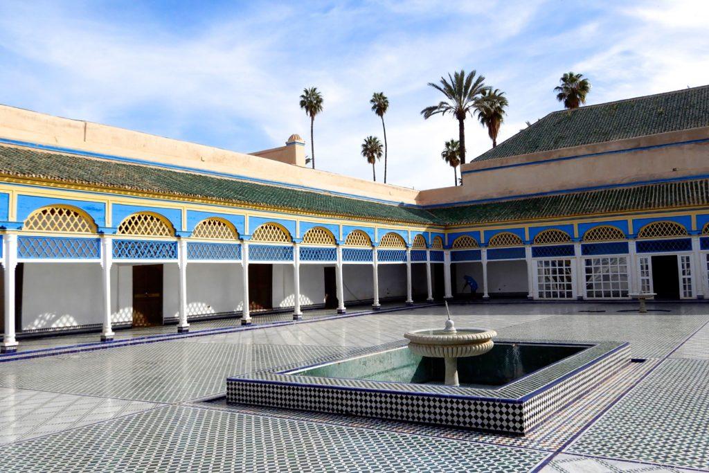 """Bahia Palast von Marrakesch. Innenhof, in dem Szenen zu """"Lawrence von Arabien"""" gedreht wurden."""