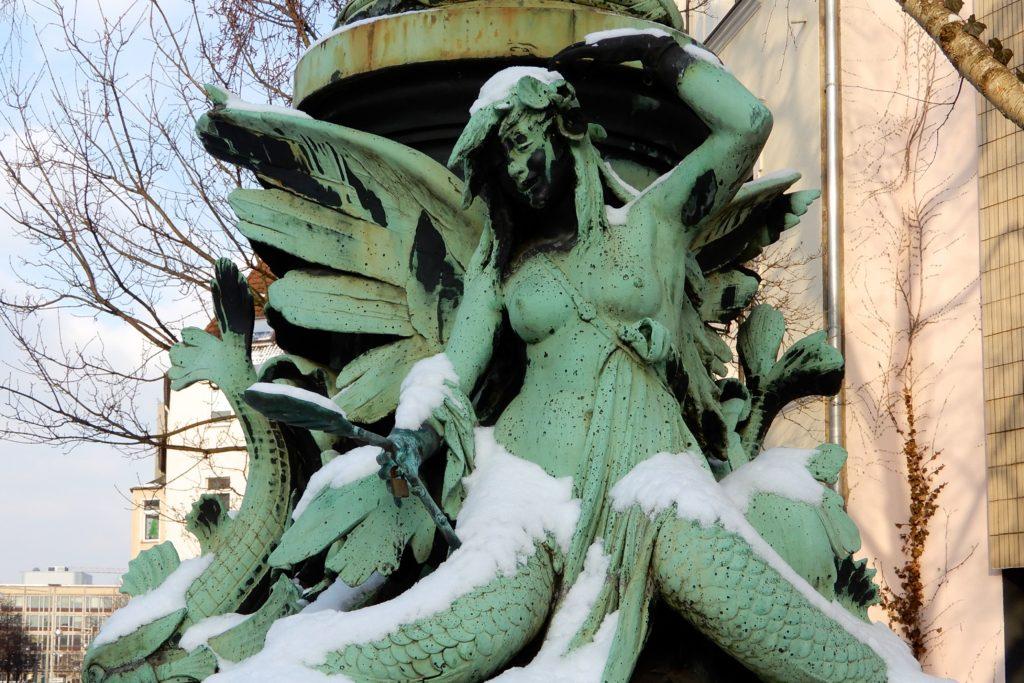 Meerjungfrau auf der Königsworther Brücke, Calenberger Neustadt, Hannover.