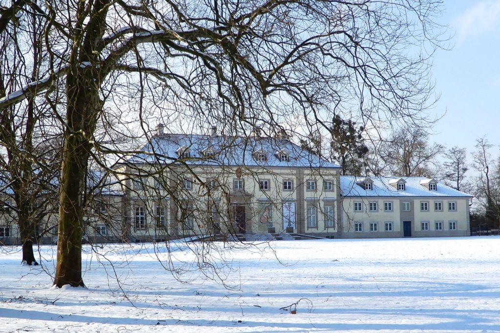 Wilhelm-Busch-Museum, Hannover, im winterlichen Georgengarten.