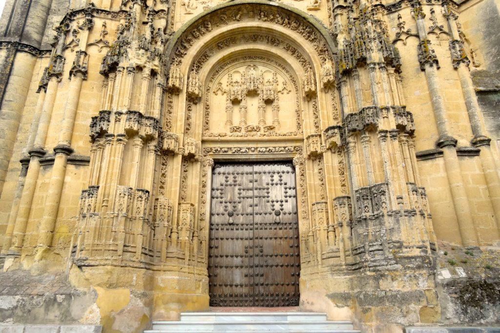 Arcos de la Frontera. Eingang zur Iglesia San Pedro.