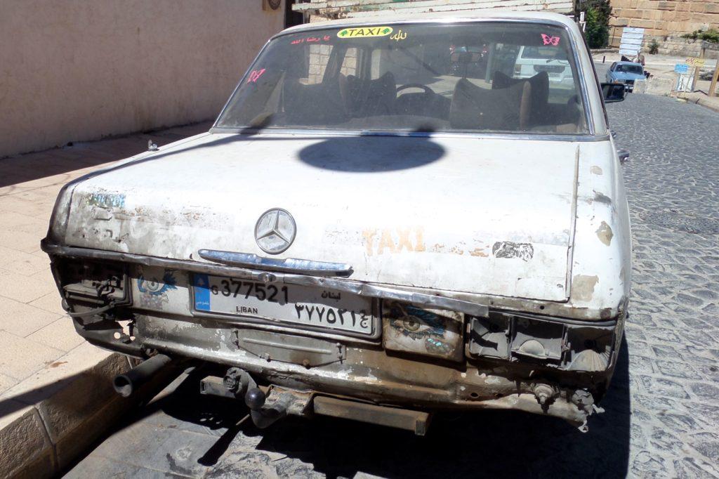 Baalbek, Libanon. Mercedes-Taxi.