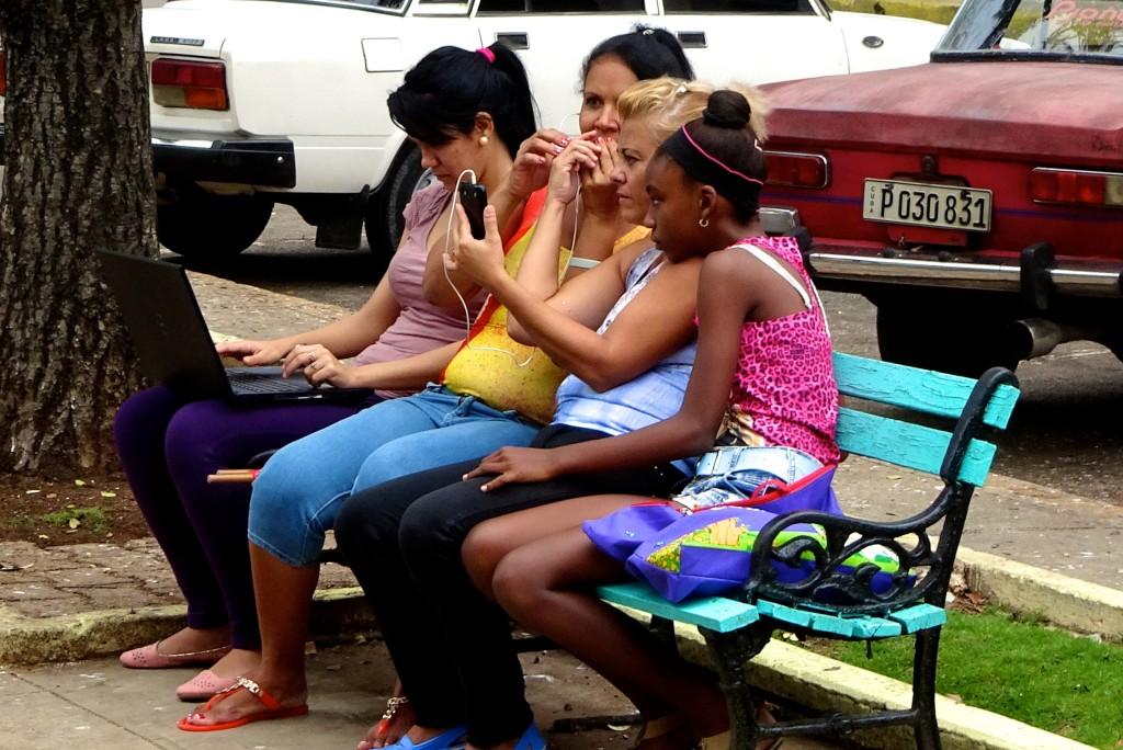 Neuland Internet - Impressionen vom WiFi-Hotspot in Matanzas