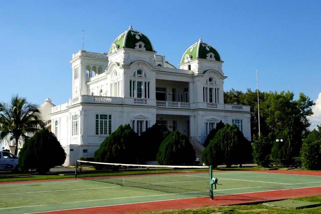 Club Cienfuegos, restauriertes Gebäude des Yacht Clubs aus den 1920er Jahren