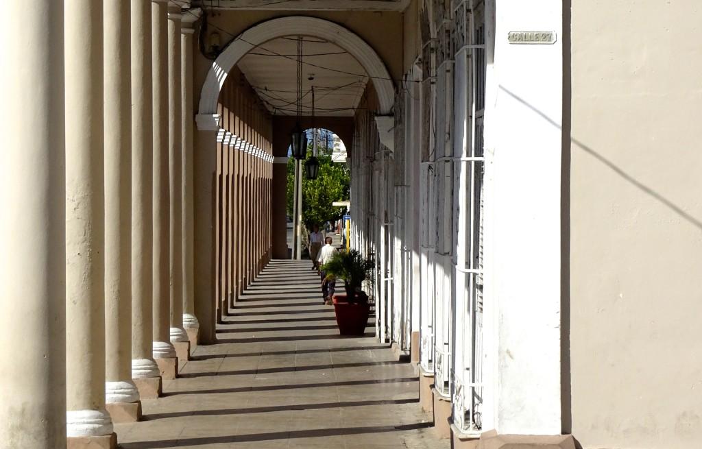 Impressionen. Gebäude am Parque José Martí