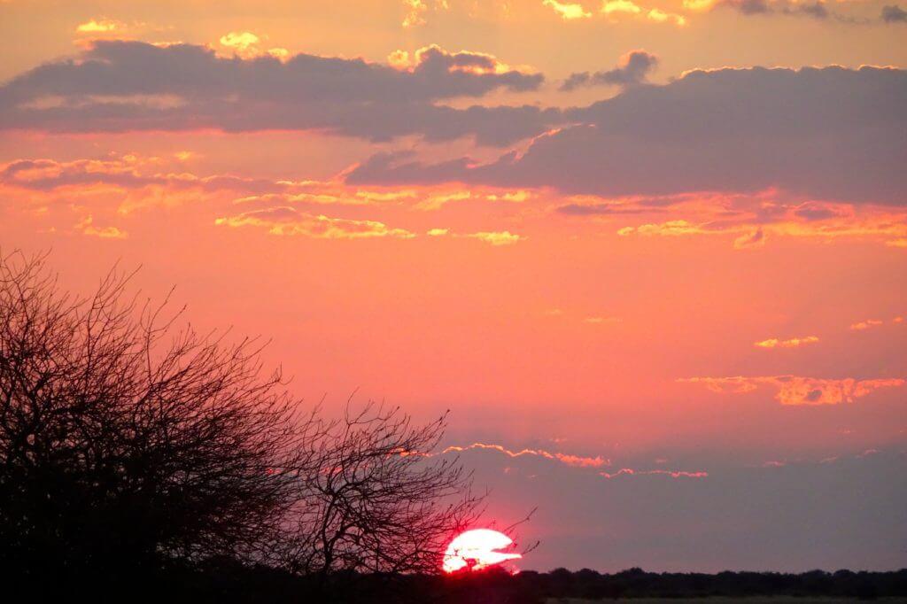 Sonnenuntergang in Kubu Island