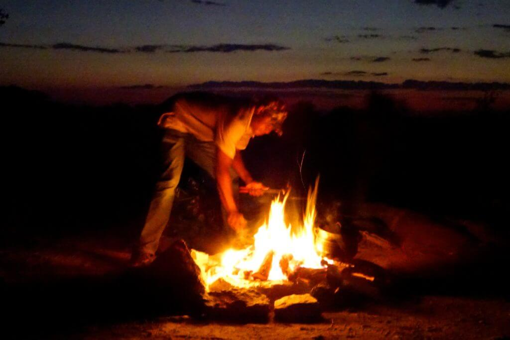 Lagerfeuer in Kubu Island