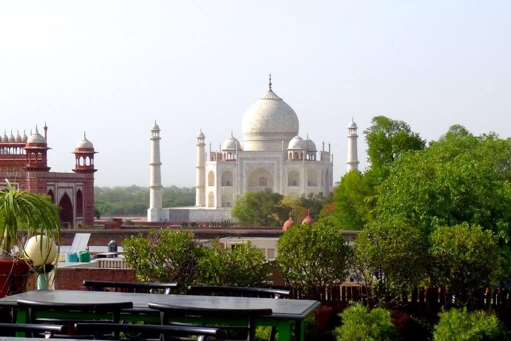 Taj Mahal: Blick vom Dach des Hotels Sonya