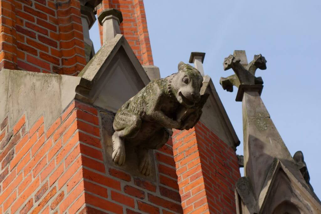 Hasenfigur an der Christuskirche Hannover
