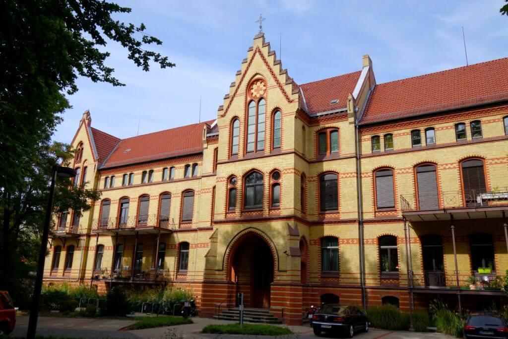 Sehenswürdigkeiten in Hannover: Altbau des Clementinenhauses