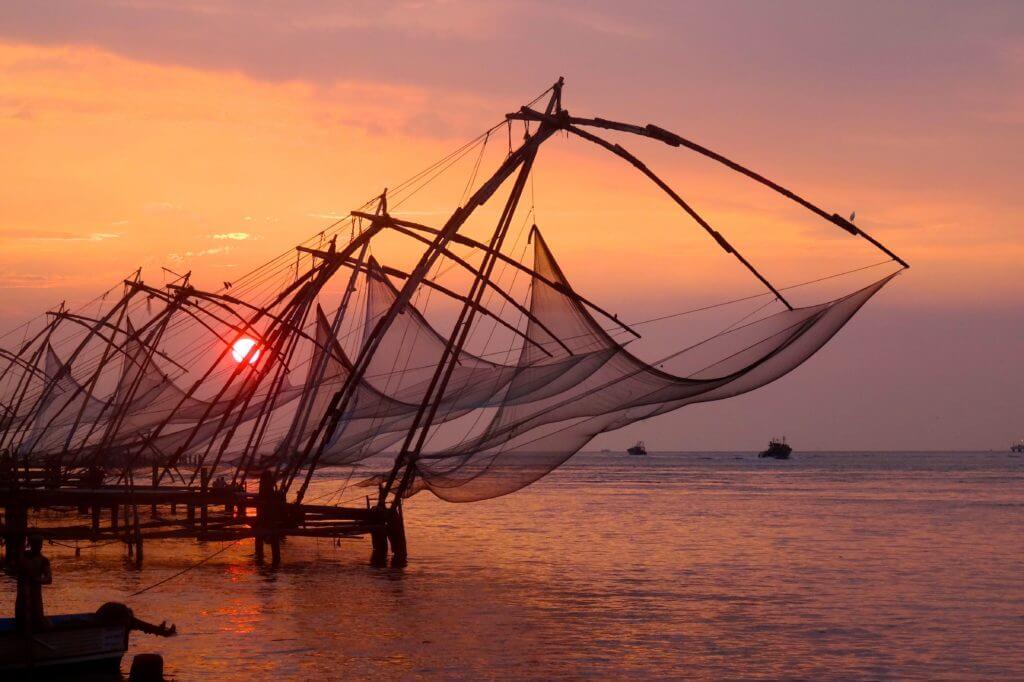 Kultur in Indien: chinesische Fischernetze in Kochi
