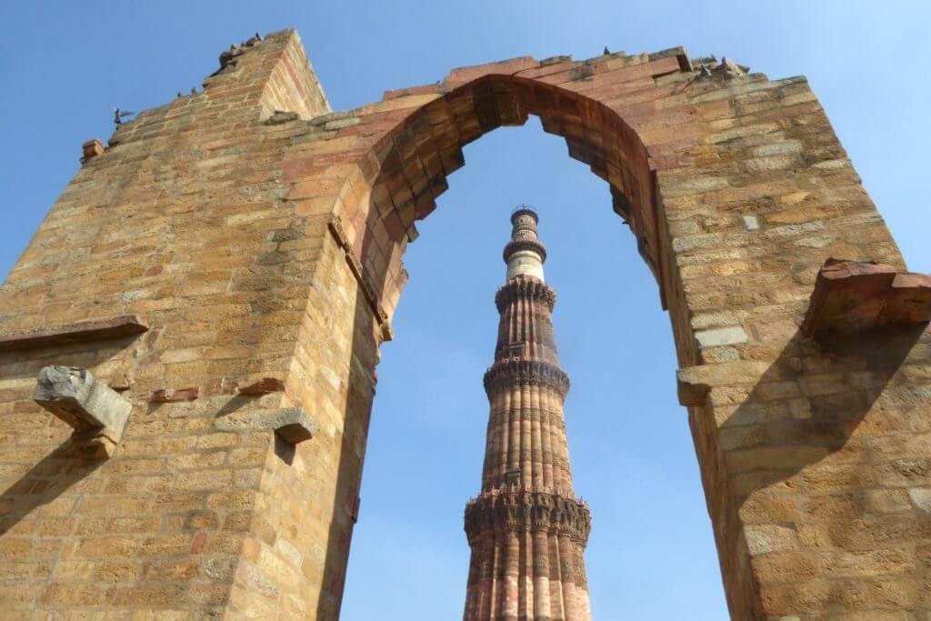 Indiens Kultur und Klischees, Qutb Minar in Delhi