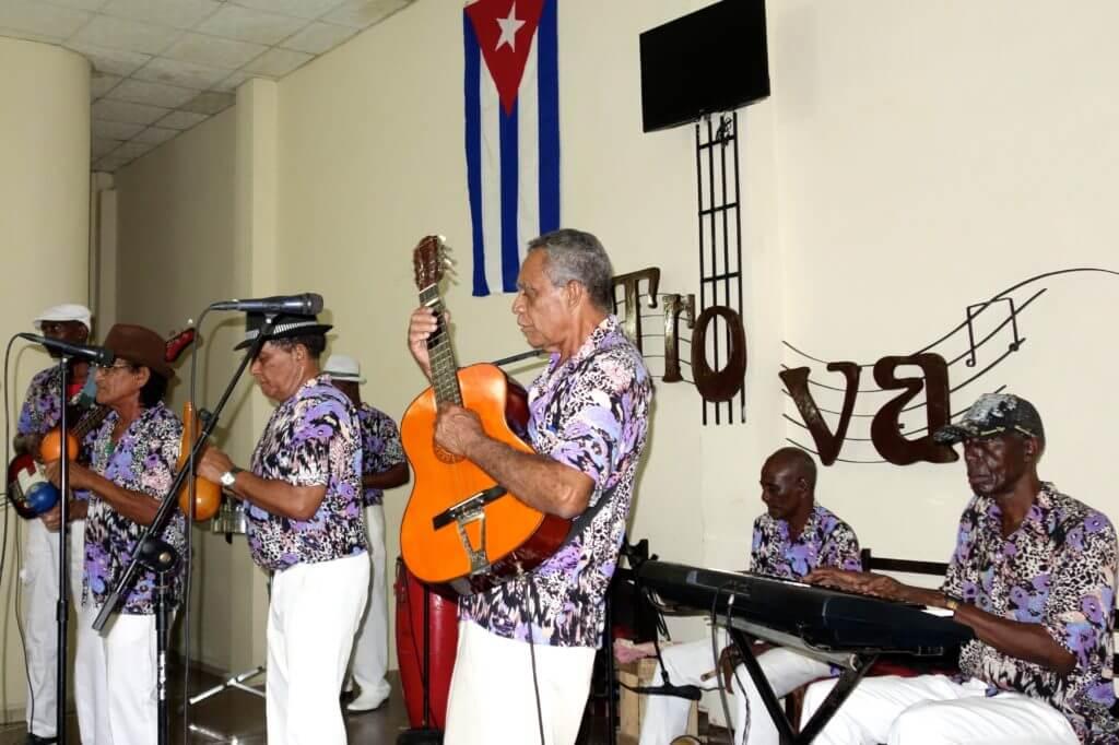 Gruppe Rumores de mi Guaso in der Casa de la Trova von Guantánamo