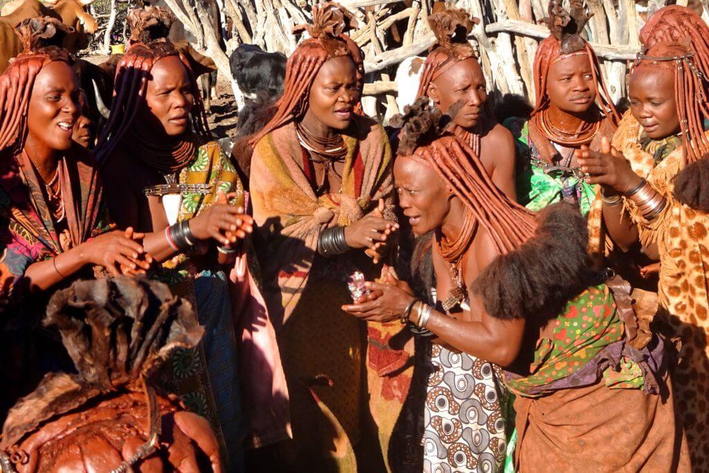 Jahresrückblick Reiseblog Groovy Planet, Himba im Norden von Namibia