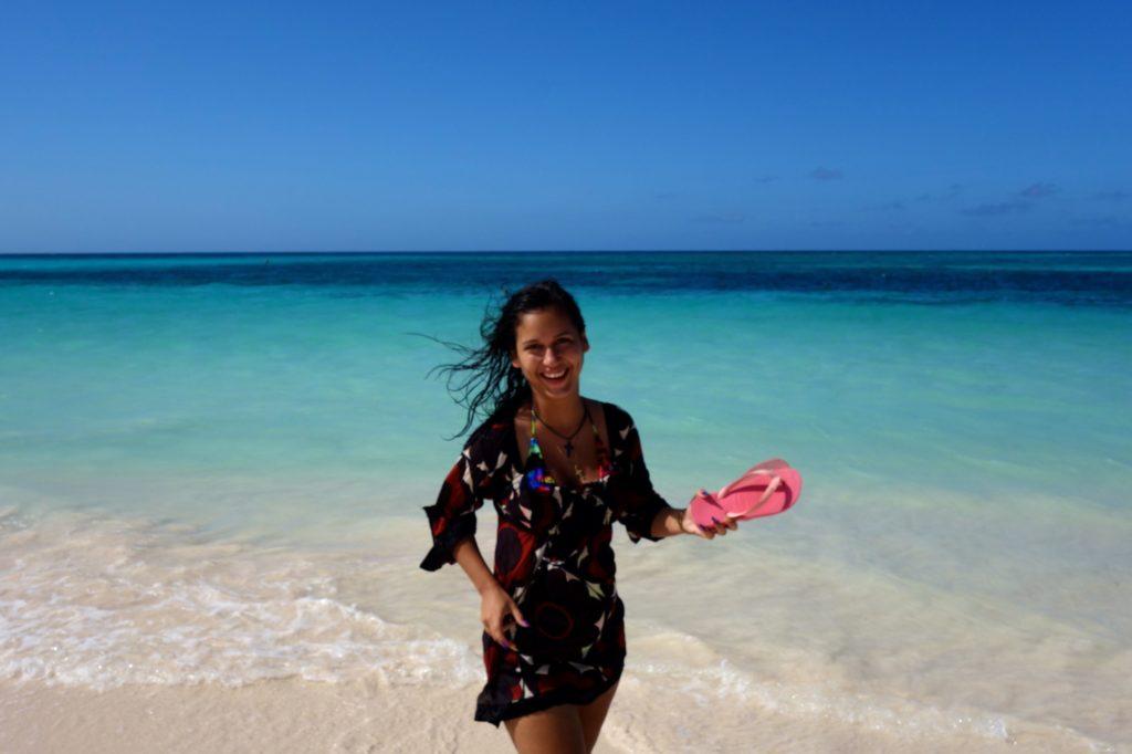 Guardalavaca. Das Meer bildet eine farbenfrohe Kulisse.