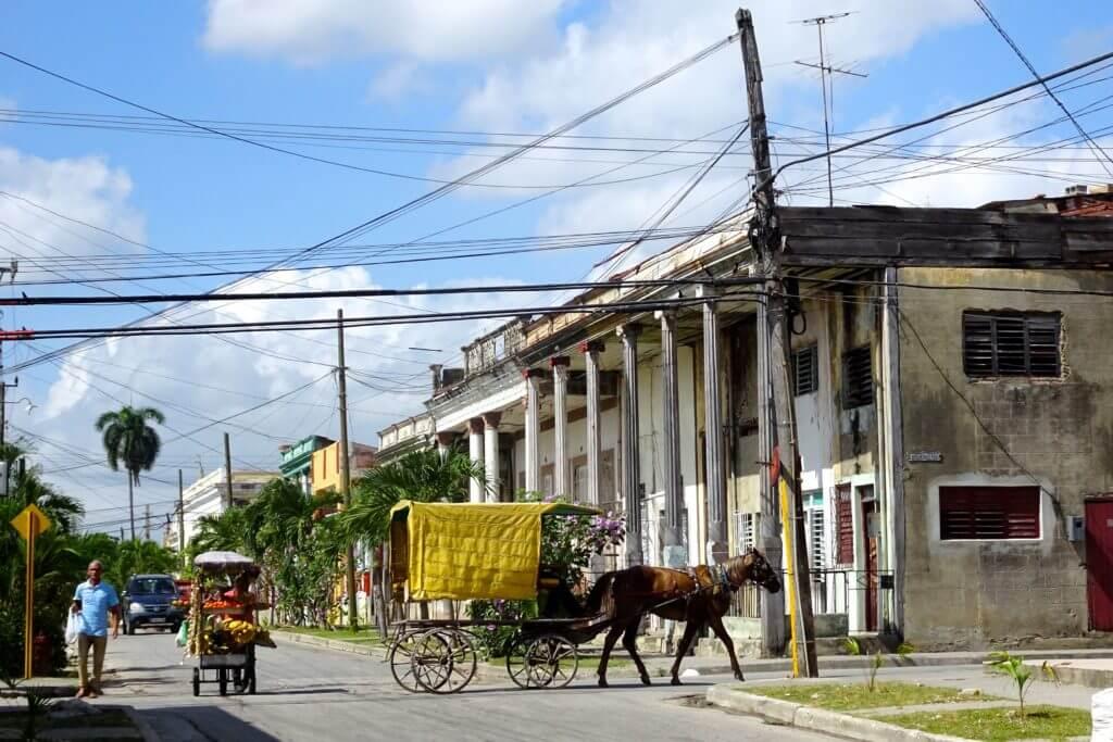 Pferdekutsche in den Straßen von Guantánamo