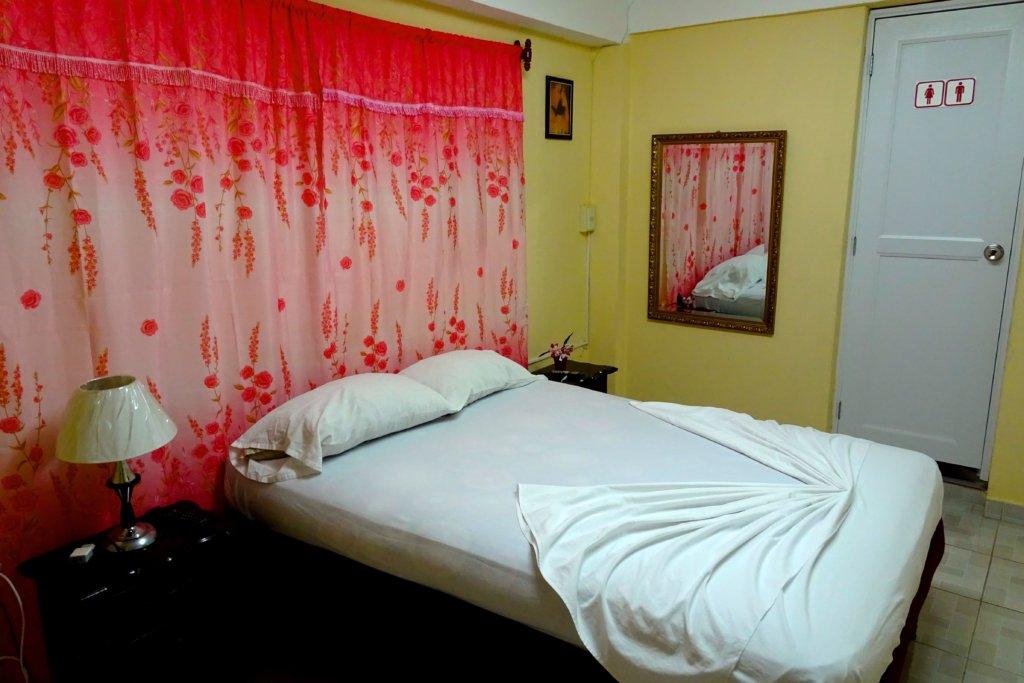 Casa Particular in Guantánamo, Kuba. Blick in das Zimmer.
