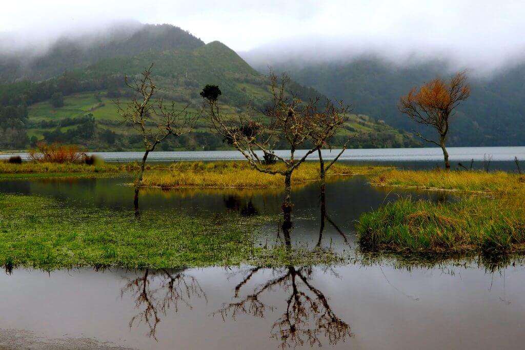Kratersee Lagoa das Sete Cidades auf der Azoren-Insel São Miguel.