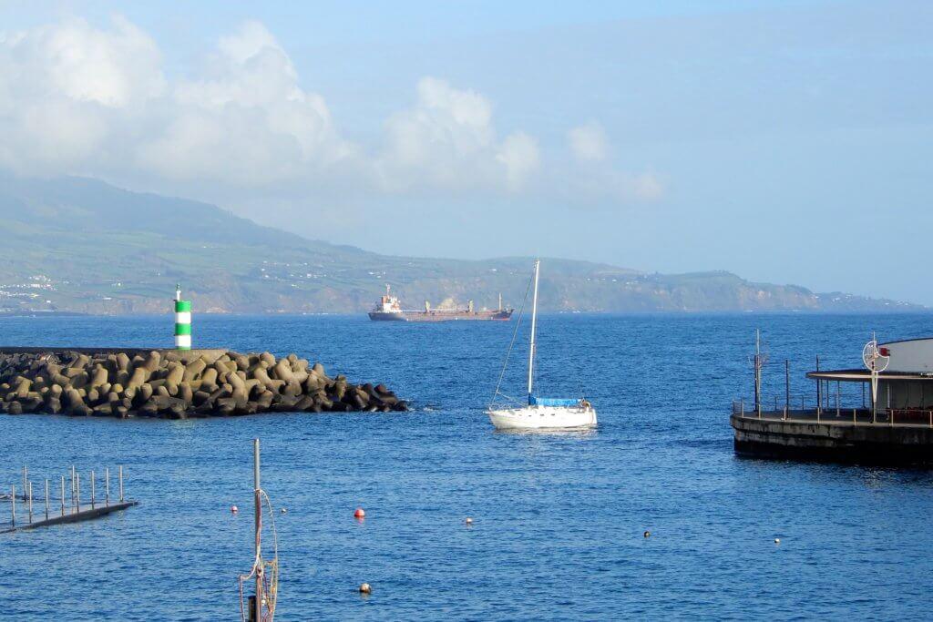 Das Meer vor Ponta Delgada, São Miguel.