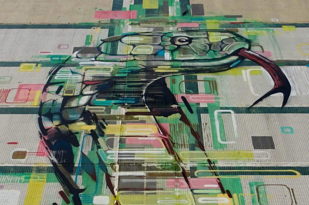 Schlange als Street Art, urbane Kunst in Kasan, Hauptstadt von Tatarstan.