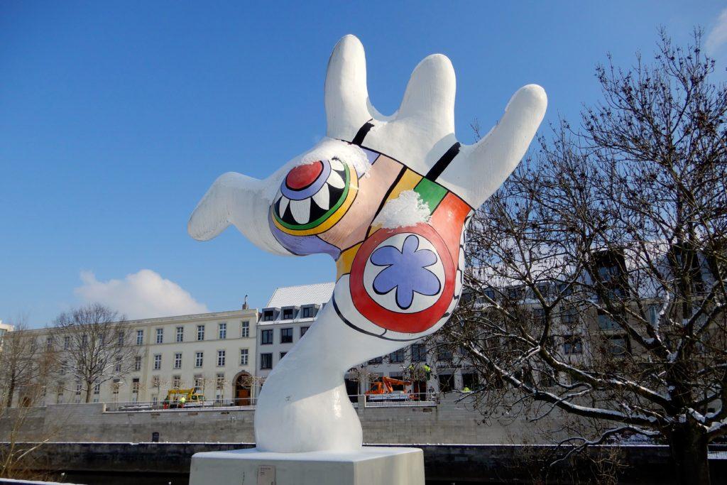 Nanas, Kunst am Leinener in Hannover.