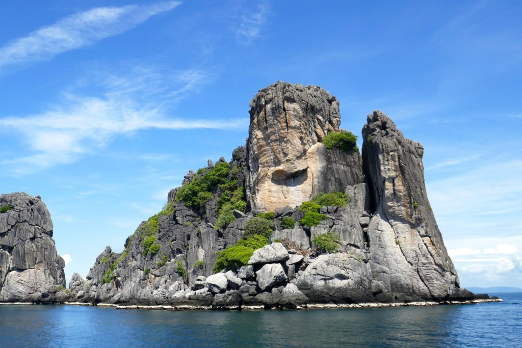 """Buddha's palm"", die Hand Buddhas, auf der Insel Koh Ngam Yai."