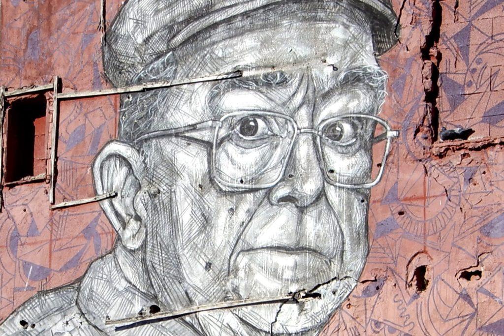 Street Art in Porto. Kunstwerk An.fi.tri.ão von Frederico Draw.