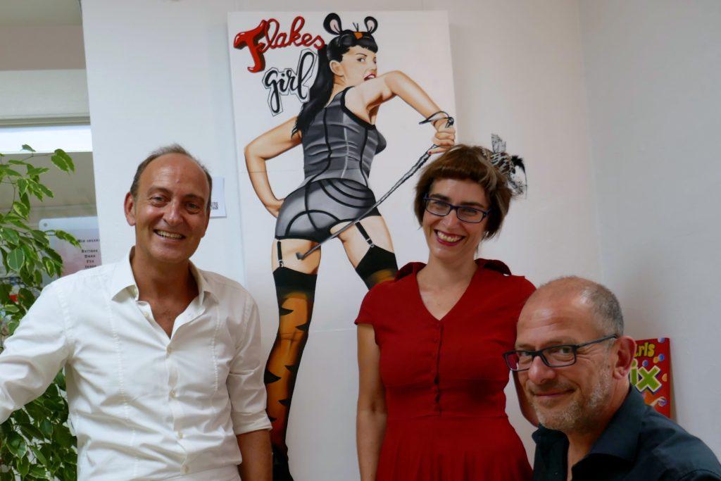 Maaike Dirkx mit Stephan Krüll und Michael Habel von der Galerie Popstreet.shop