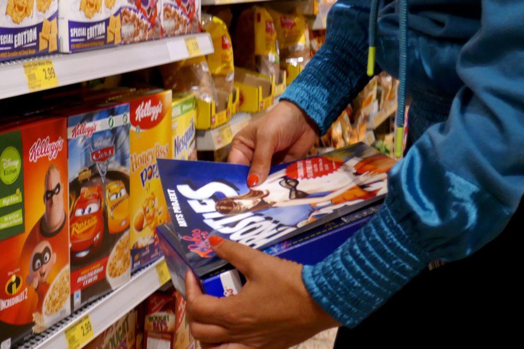 Maaike Dirkx. Guerilla-Kunst im Supermarkt.