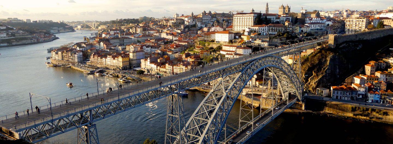 Der alte Mann & die Brücke, zwei Wahrzeichen von Porto