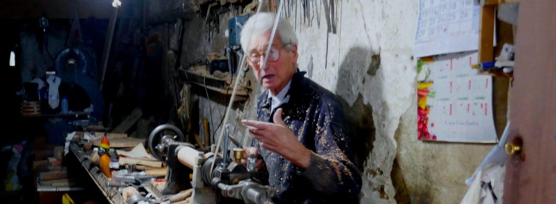 Begegnung abseits der Touristenpfade: Artur Oliveira, der letzte Drechsler von Porto