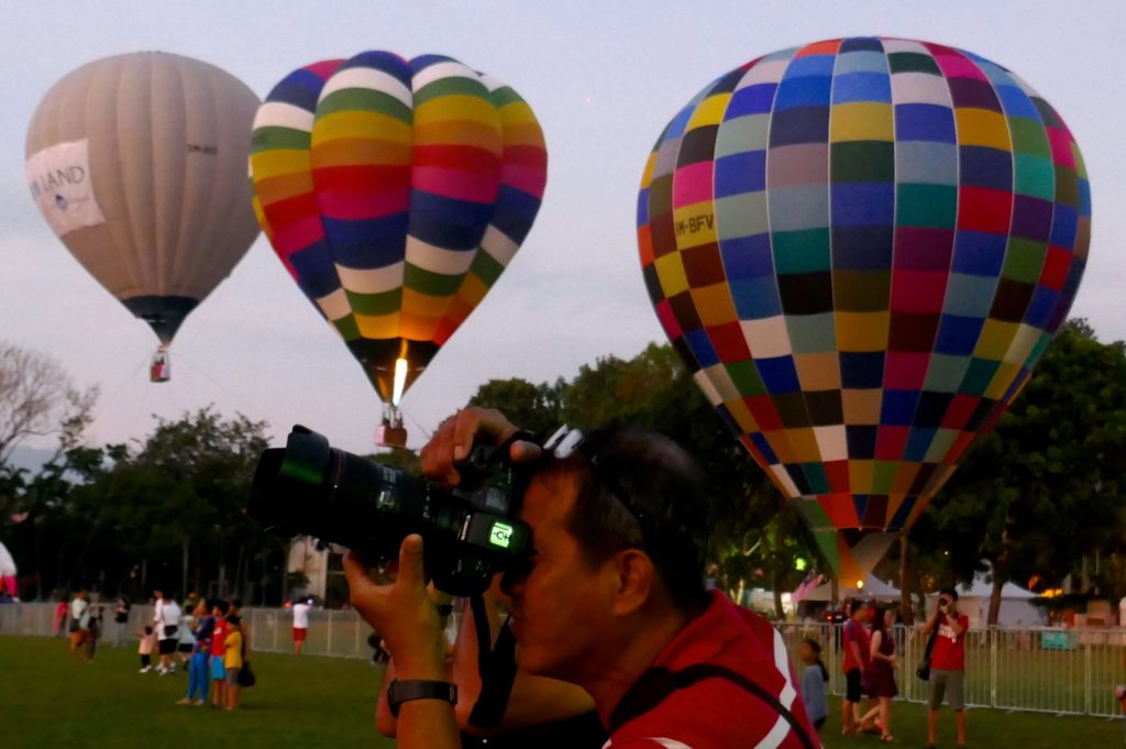 Penang Hot Air Balloon Fiesta. Fotograf in Aktion.
