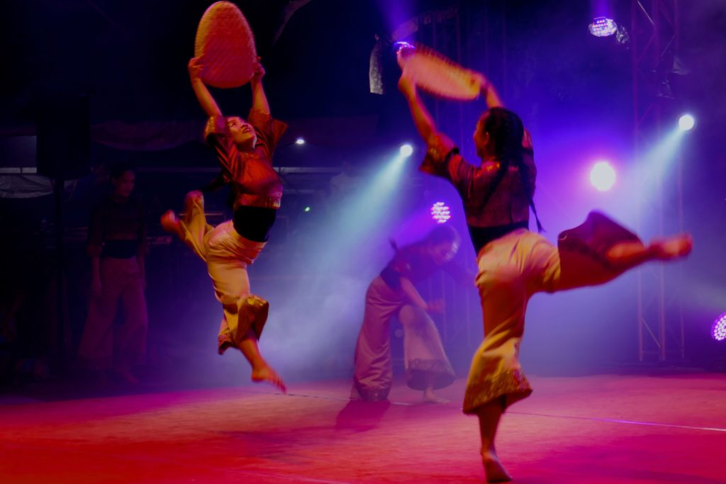 Chap Goh Meh, chinesisches Neujahrsfest in George Town, Malaysia. Tänzer und Tänzerinnen .