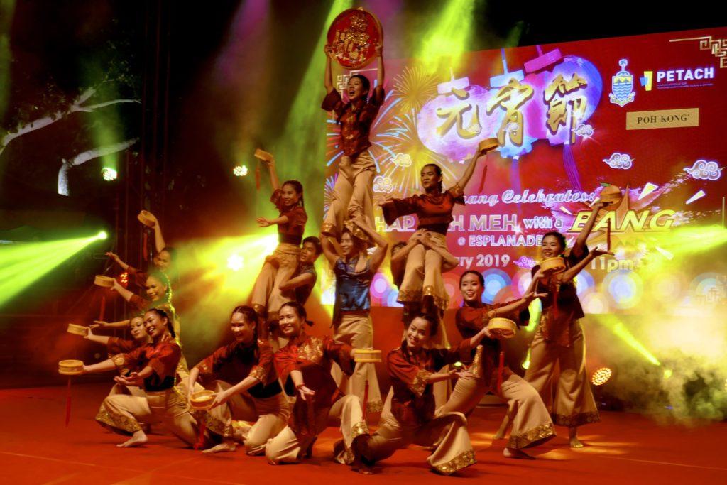 Chap Goh Meh, George Town, Malaysia. Das Tanzensemble Euphoria Penang begeistert beim chinesischen Neujahrsfest.