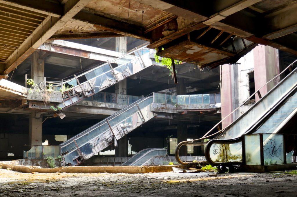 New World Mall, Bangkok. Seit mehr als zwei Jahrzehnten eine Ruine.