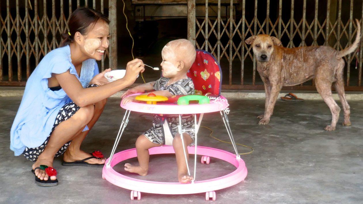 Menschen in Ranong. Street Photography aus einer authentischen Stadt in Südthailand.