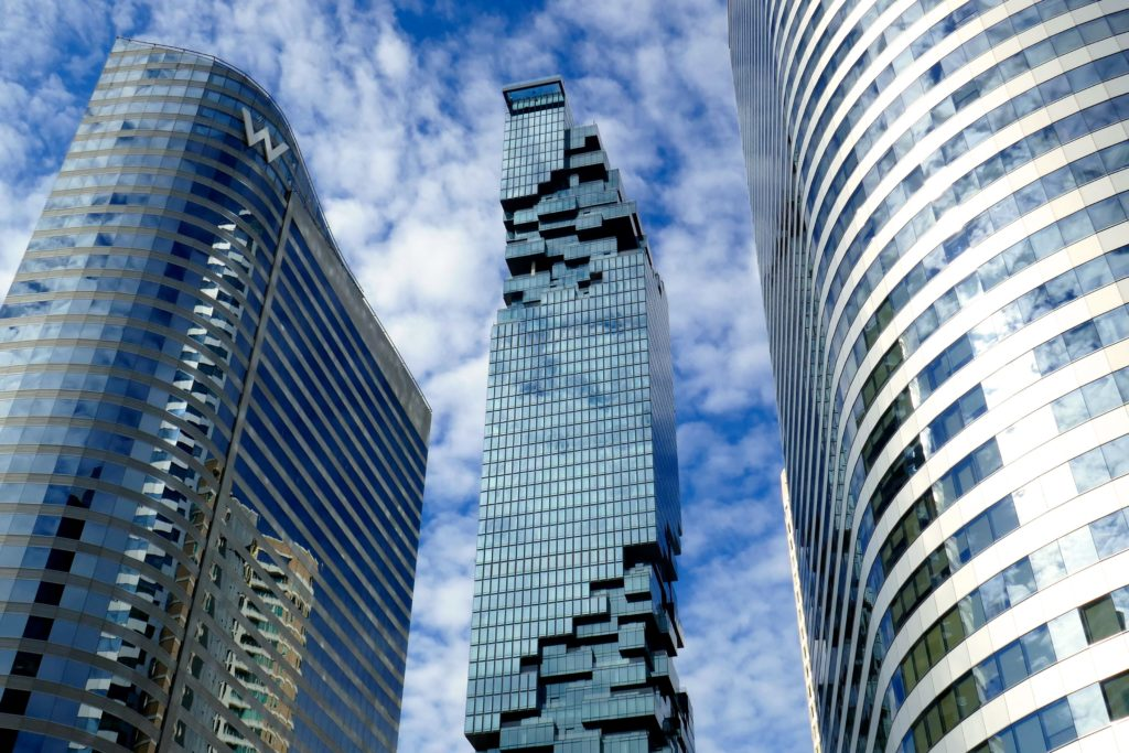 """Verpixelte"" Strukturen am Mahanakhon Tower in Bangkok."