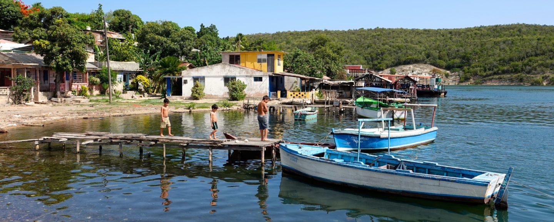 Blick auf Cayo Granma, die Santiago de Cuba vorgelagerte Insel.