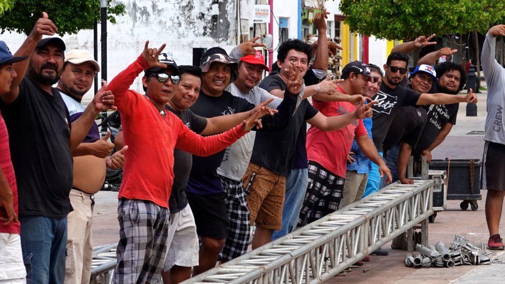 Männer bei der Arbeit in Campeche. Vorbereitungen zum Nationalfeiertag, dem Tag der Unabhängigkeit.