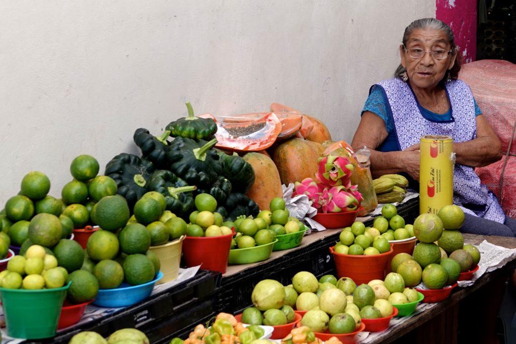 Verkauf von Obst und Gemüse auf dem Mercado Pedro Sainz de Baranda in Campeche.