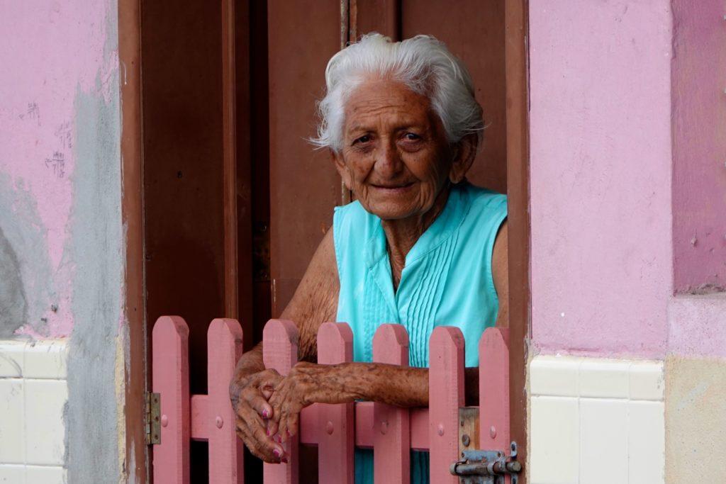 Alte Frau im Fischerort San Felipe, Yucatán.